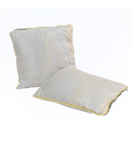Soft and textured pillow Y02516565