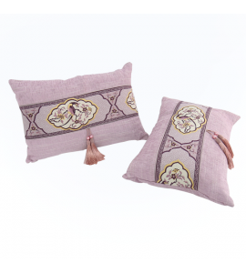 Soft and textured pillow Y0258901